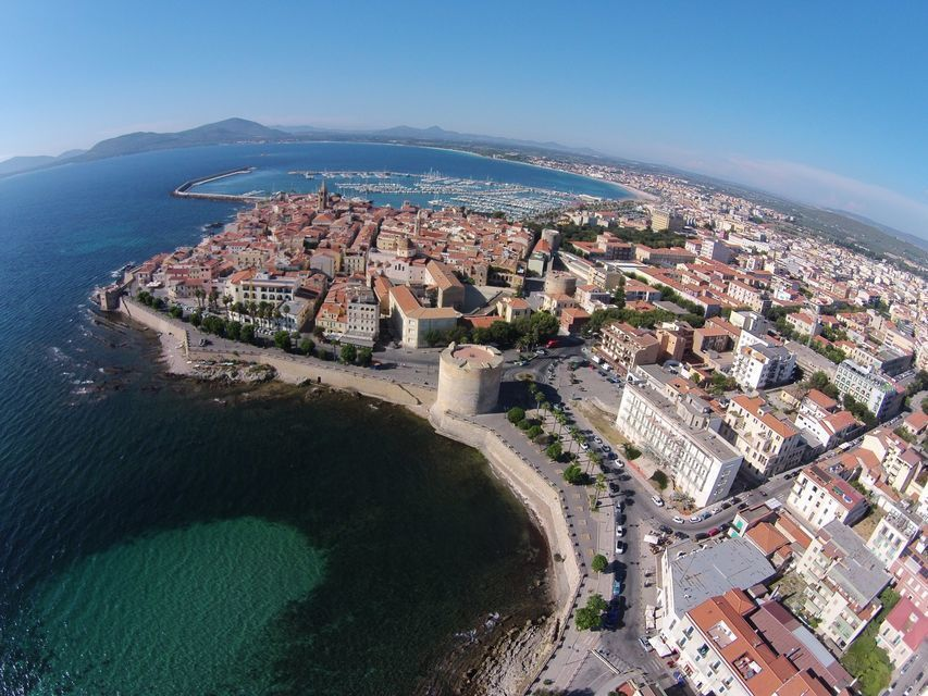 Alghero: Full-Day History and Gastronomy Tour