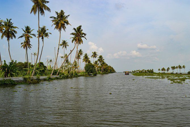One full day trip to Alleppey Houseboat from Kochi.