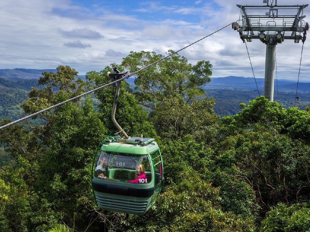 Kuranda Rainforest Village and Green Island 2-Day Tour from Cairns