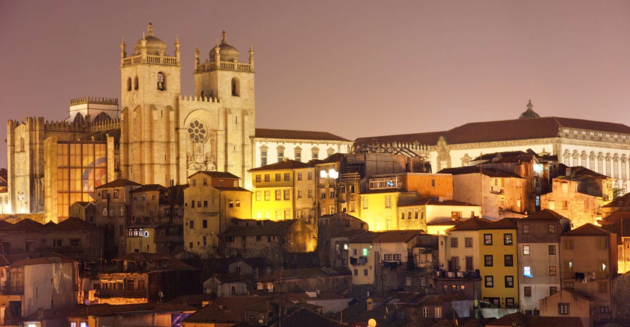 Porto: Private Night Tour with Dinner and Fado Show