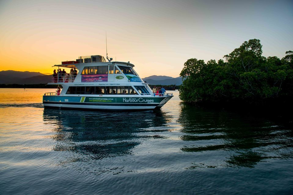 Cairns 90-Minute Sunset Cruise with Welcome Drink