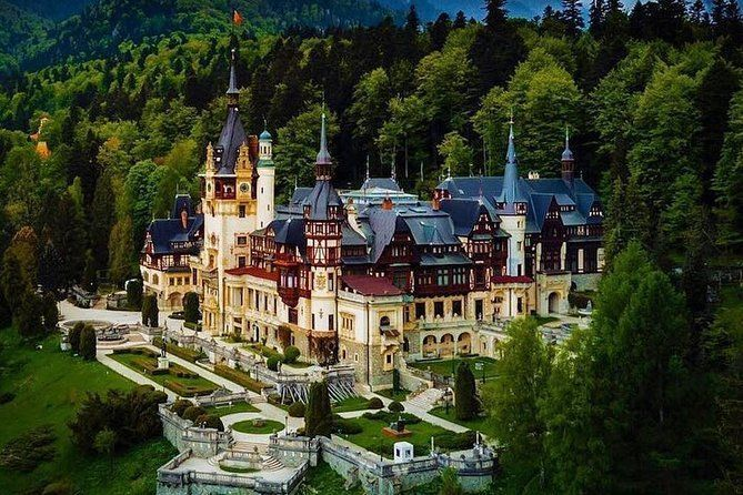 Private Tour to Dracula's Castle,Brasov and Peles Castle from Bucharest 1-8Seat