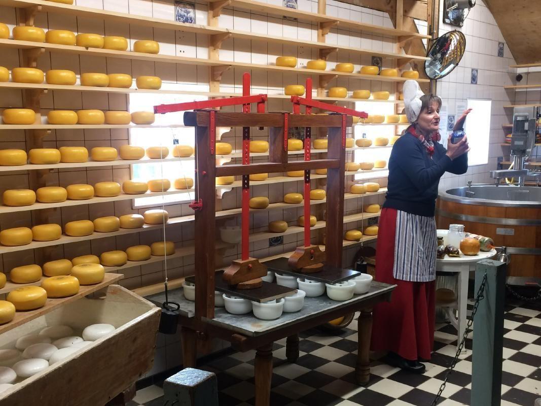 Zaanse Schans Windmill Village Tour with Henri Willig Cheese Factory Visit