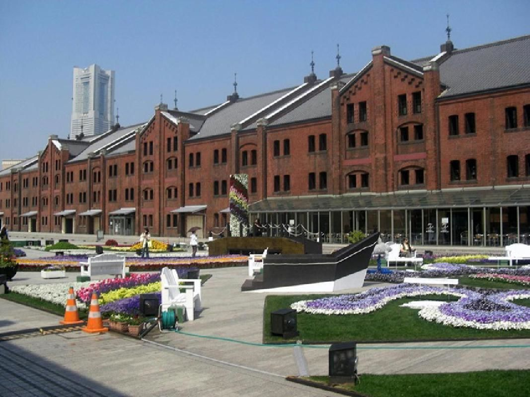 Short Private Taxi Tour of Yokohama's Port Areas (2.5 hours)