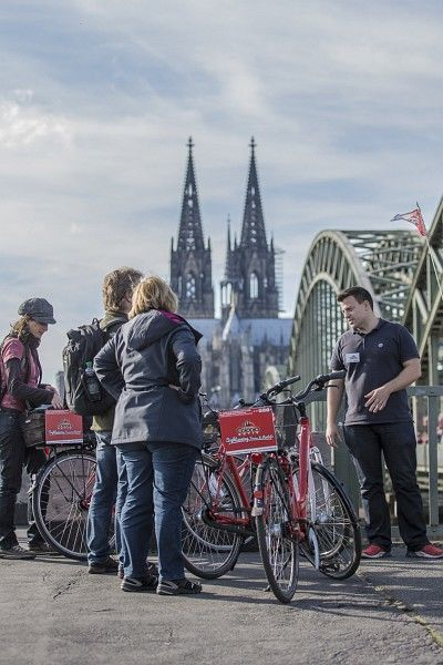 Cologne 3-Hour Guided Bike Tour in German