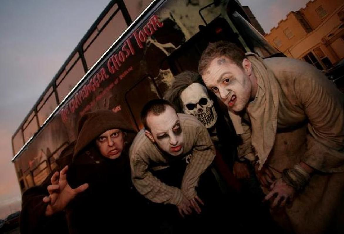 Dublin Gravedigger Ghost Bus Tour with Local Ghoulish Drink