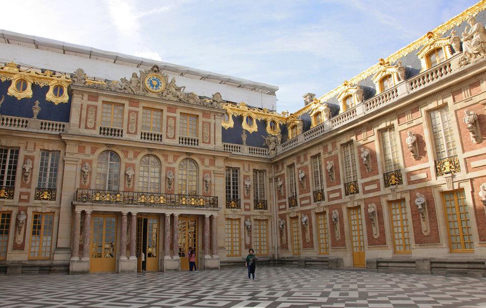 Paris: Secret Rooms of Versailles Skip-The-Line Tour
