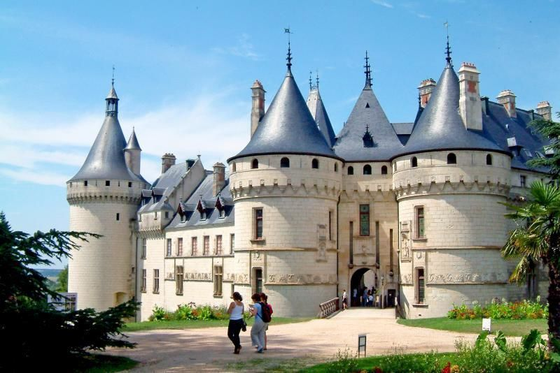 Private Loire Valley Castles by Minibus