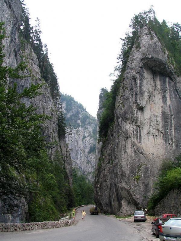 7-day trekking tour through the Ceahlau Mountains