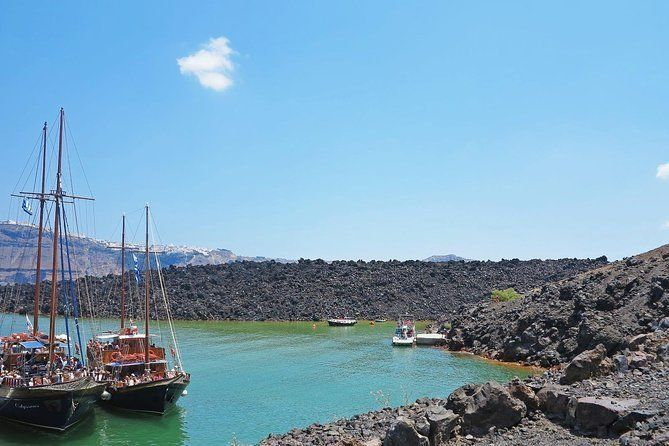 Santorini Volcanic Islands Cruise: Volcano,Hot Springs,Thirassia and Oia Sunset