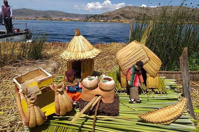 Tour Uros Floating Islands - Half Day Puno