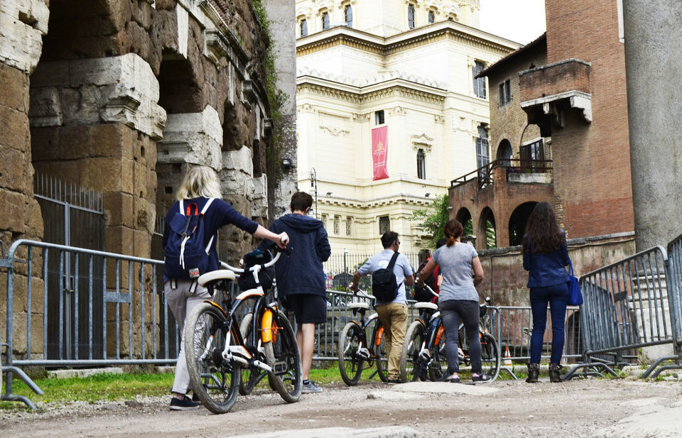 Rome Half-Day Food Tastings Tour by Bike
