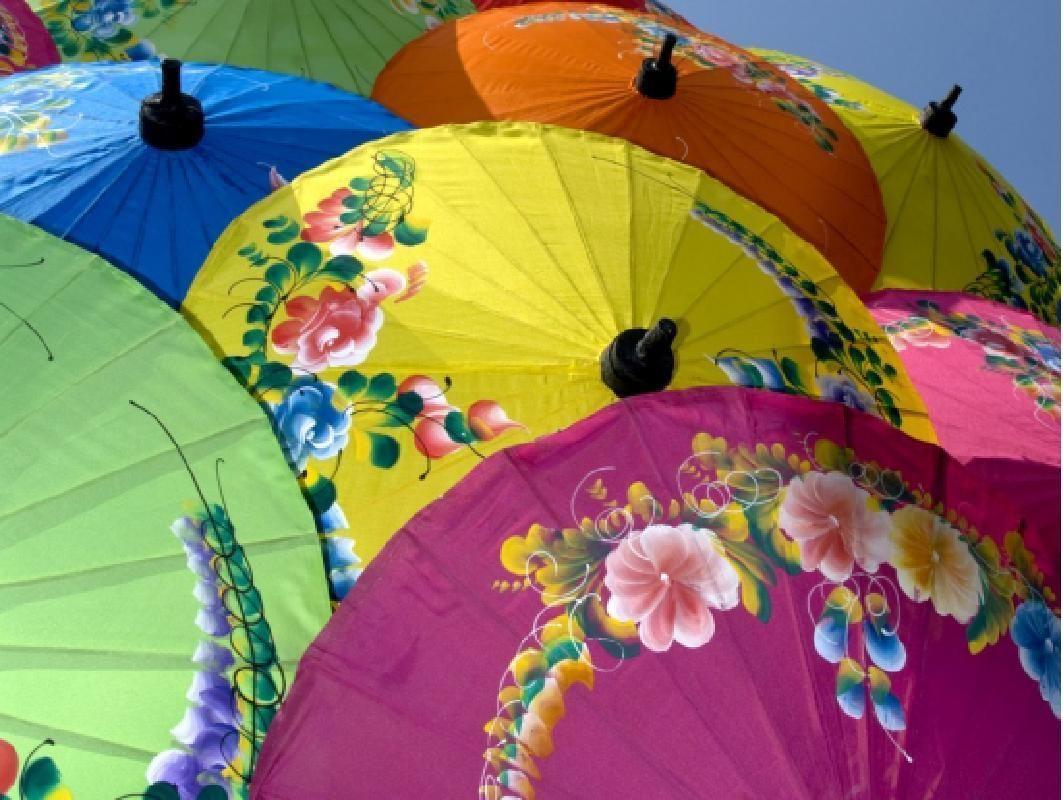 Sankampaeng and Bo Sang Handicraft Village Half Day Tour from Chiang Mai