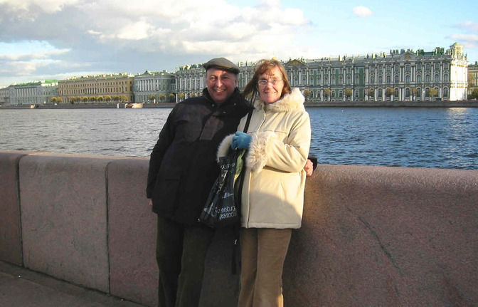 City tour St. Petersburg: Private guide and driver for one day