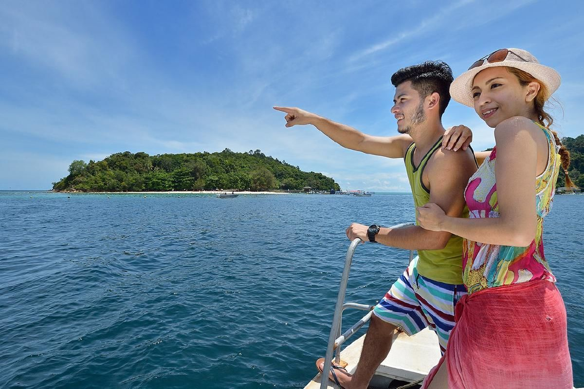 Tunku Abdul Rahman Marine Park Day Tour from Kota Kinabalu with Barbecue Lunch
