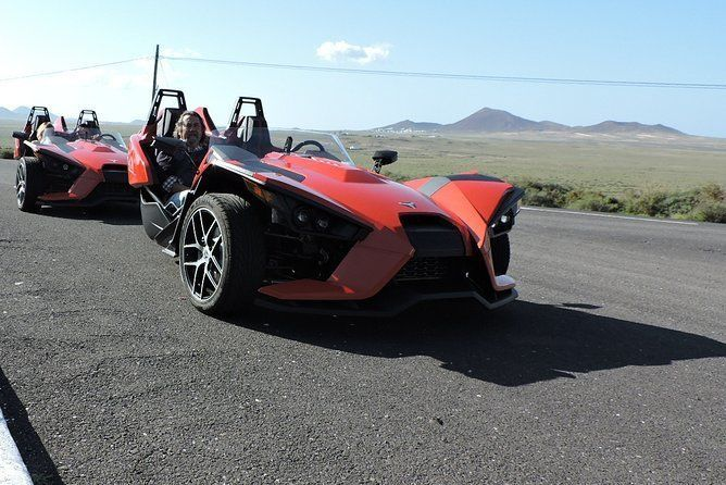 3 Hours Guided Tour with Polaris SLINGSHOT Around Lanzarote