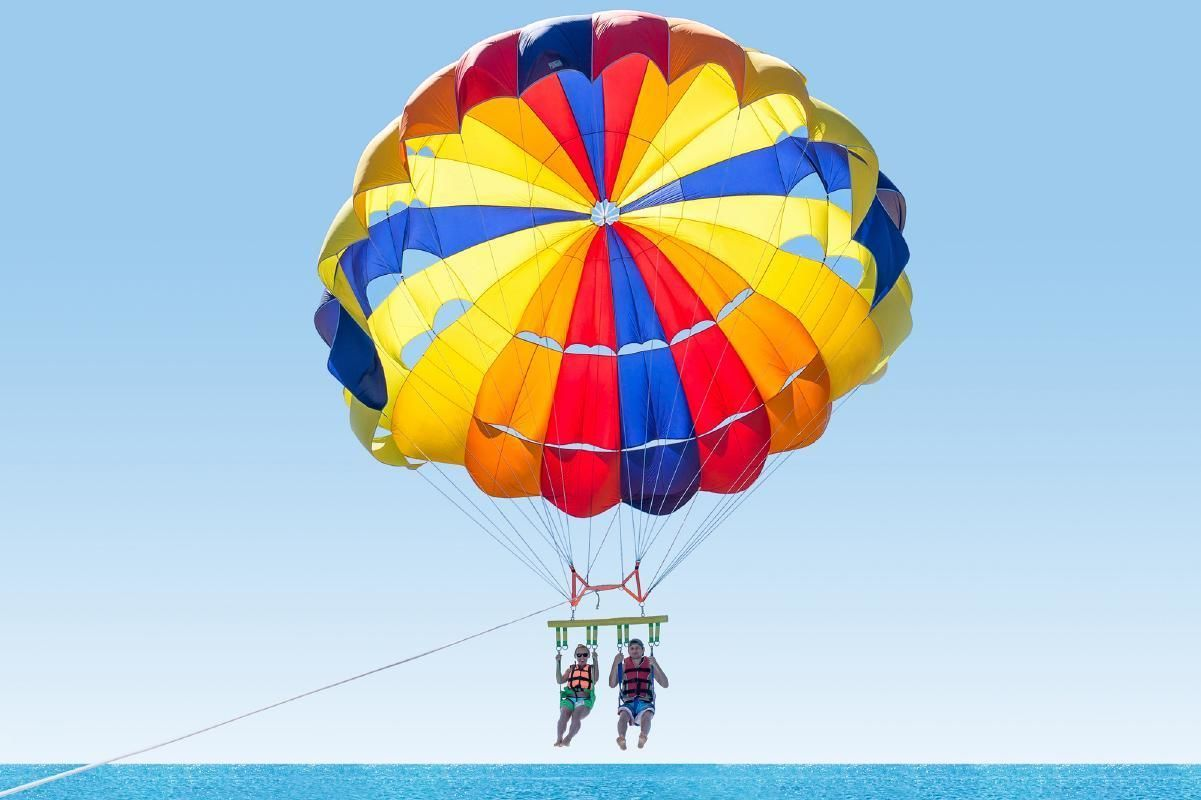Key West Day Tour & Parasailing from Fort Lauderdale