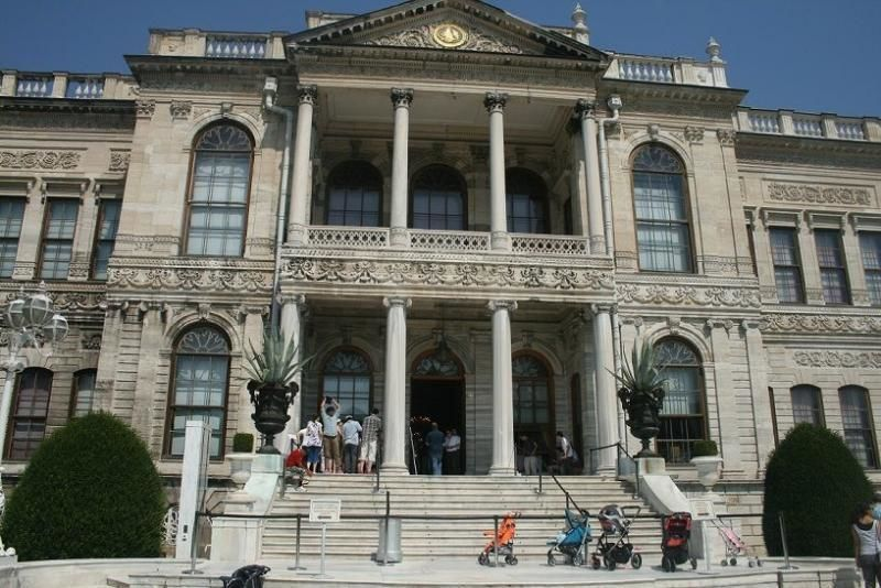 Half day tour Istanbul: The Dolmabahçe Palace and the two continents