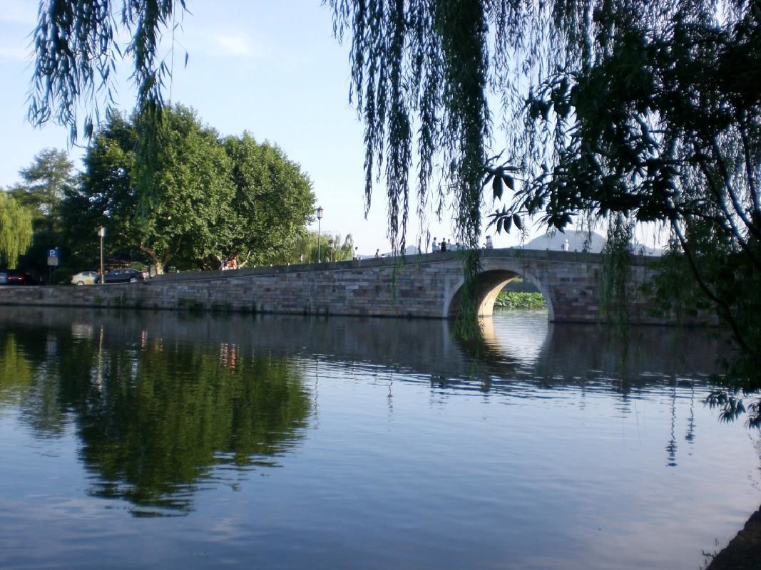 Hangzhou Day Group Tour from Shanghai with West Lake Cruise