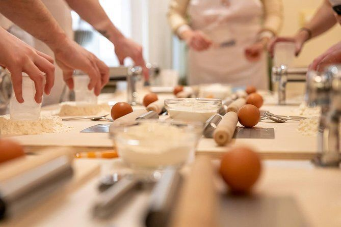 Private cooking class with lunch or dinner in Gubbio