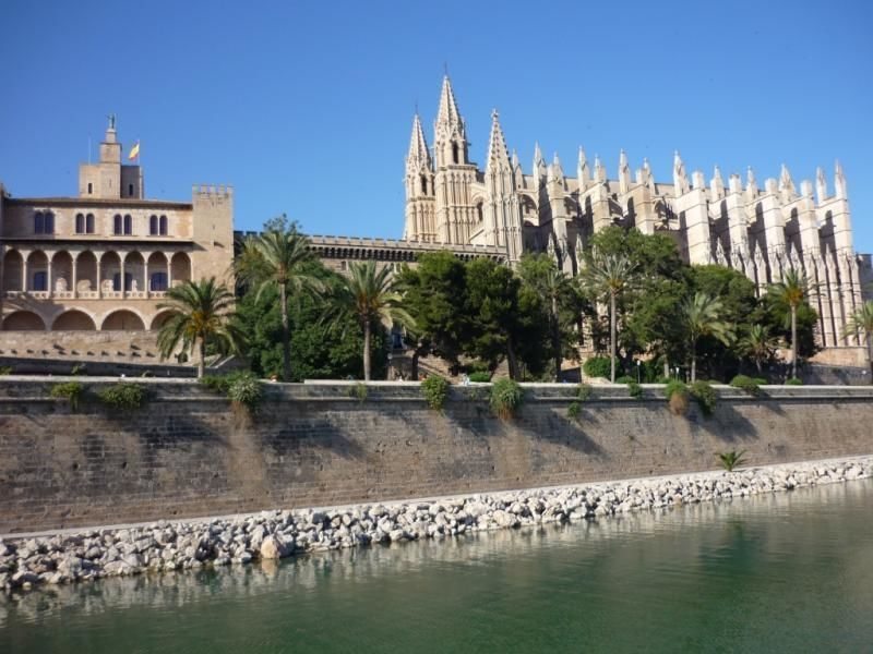 Guided walking tour in Palma for Crosship passengers