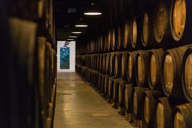 Guided Visit and Tasting at Poças Wine Cellar