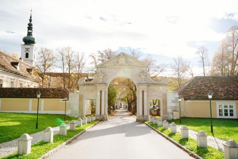 Half day excursion Vienna - Vienna Woods to Mayerling