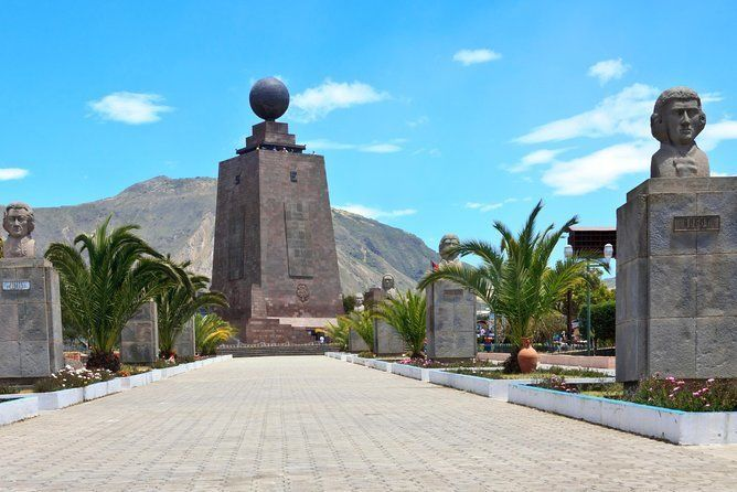 """The Middle of The World and Urband Legends of Quito - """"Small Group"""""""