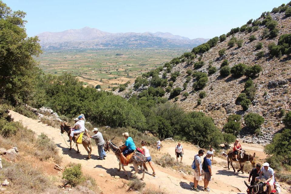 Crete: Knossos and Lasithi Plateau Full-Day Tour