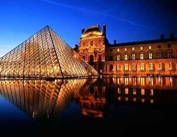 Paris by Night: City Tour & Moulin Rouge with Champagne