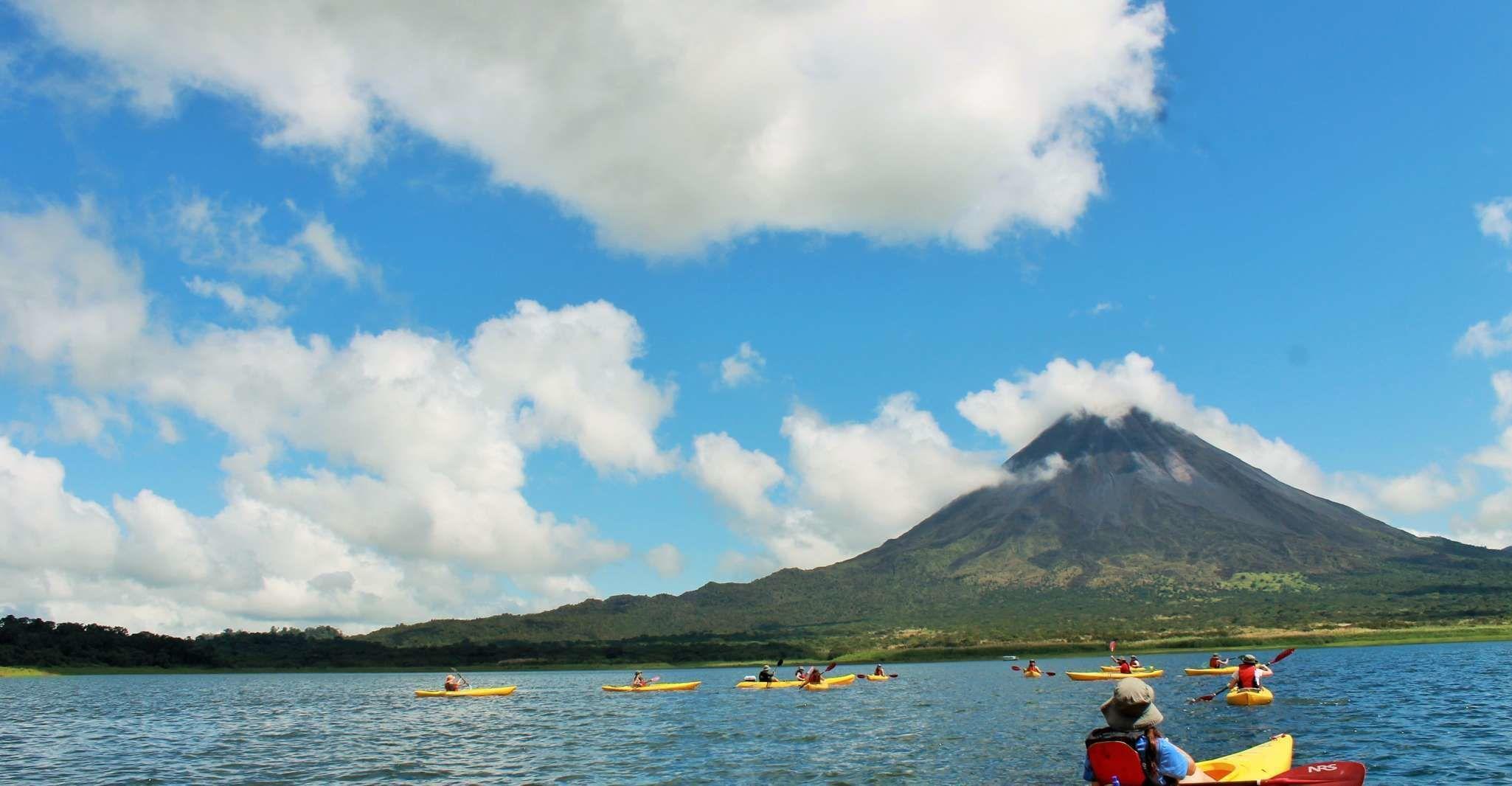Lake Arenal: Kayaking and Biking Combo Tour