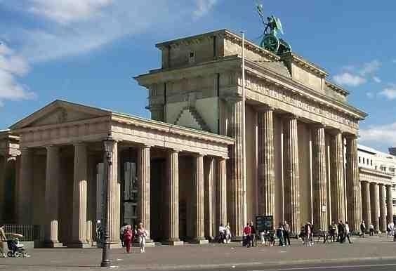 A walking tour through central Berlin