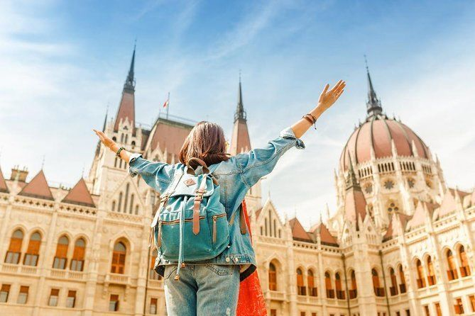 Budapest: 3-Hour Sightseeing Walking Tour with Mobile App