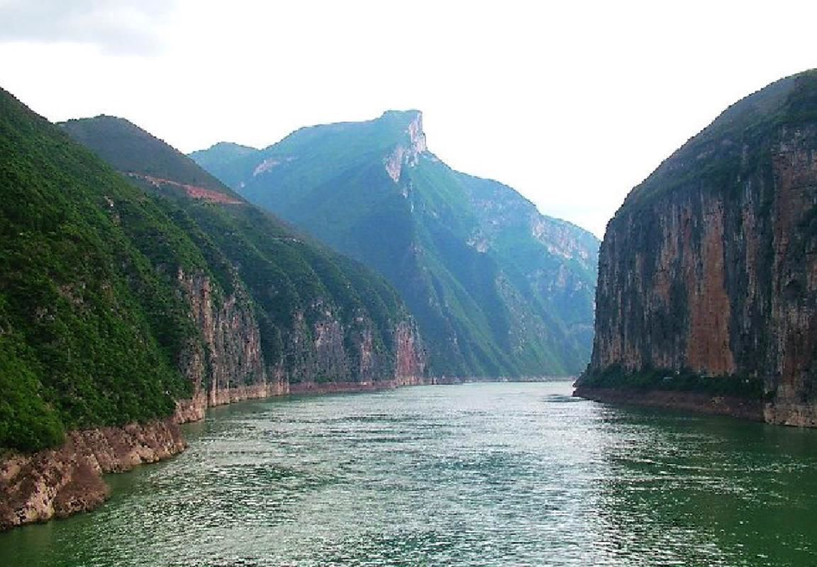 Three Gorges 5-Day Yangtze River Cruise from Yichang with Flight from Shanghai