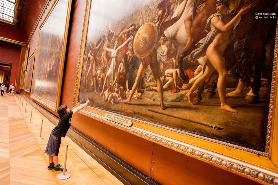 Skip the Line: Louvre Museum Small-Group Guided Tour