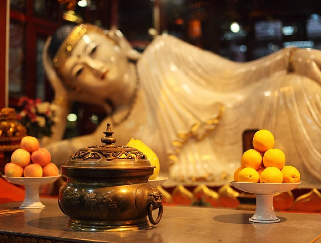 Shanghai Private Morning Tour with Jade Buddha Temple and Shanghai Museum Visit