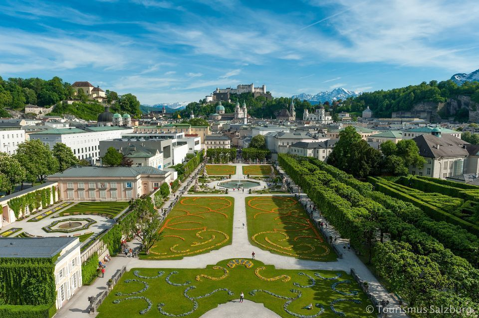Salzburg: 1-Hour Panorama City Tour with Boat Trip