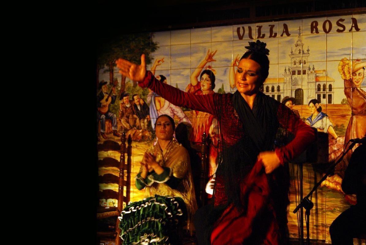 Madrid Tablao Villa Rosa Flamenco Show with Dinner
