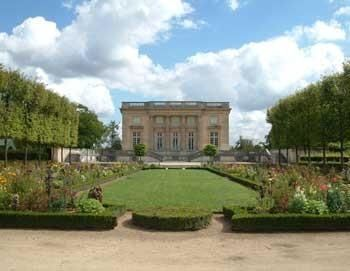 Visit of Versailles with Audioguide (1 Day)