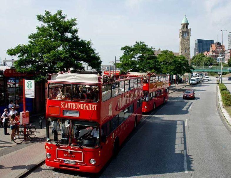 Hop-On/Hop-Off Sightseeing Tour Hamburg - Line A