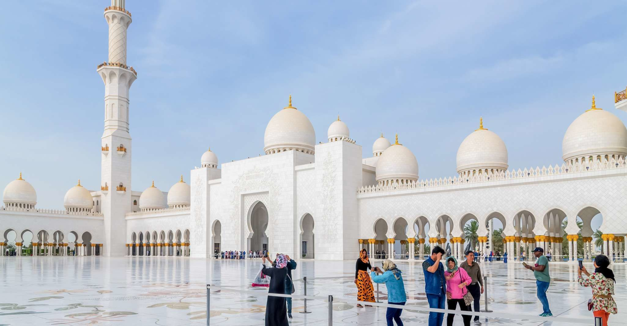 From Dubai: Abu Dhabi Premium Full-Day Sightseeing Tour