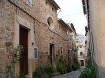 Follow the path of Chopin and Gorge Sand in Valldemossa