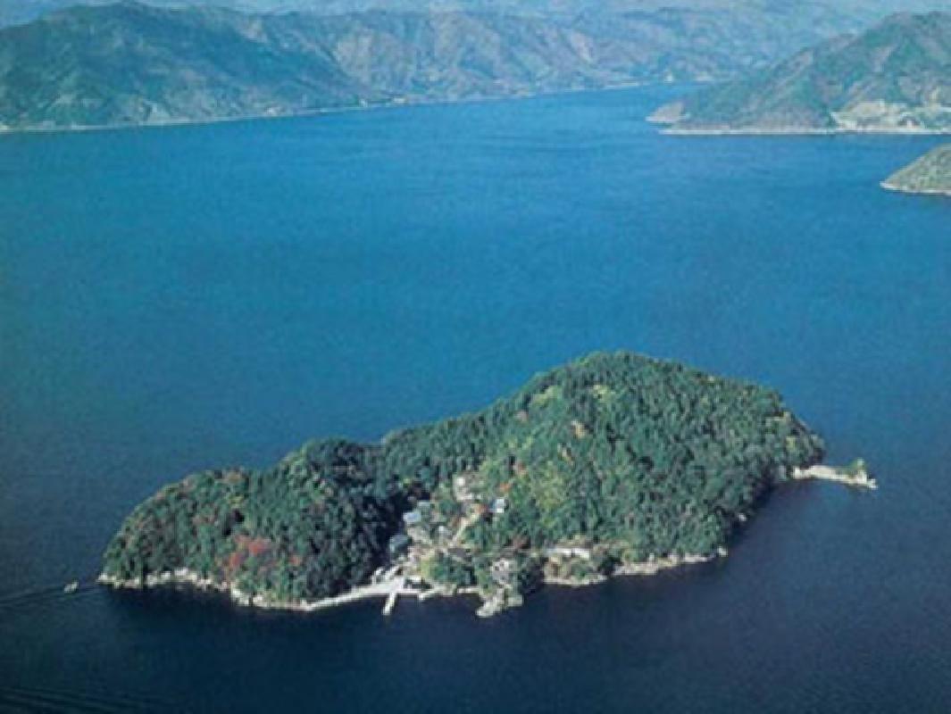 Lake Biwa Cruising Tour and Chikubu Island from Nagahama or Imazu Port