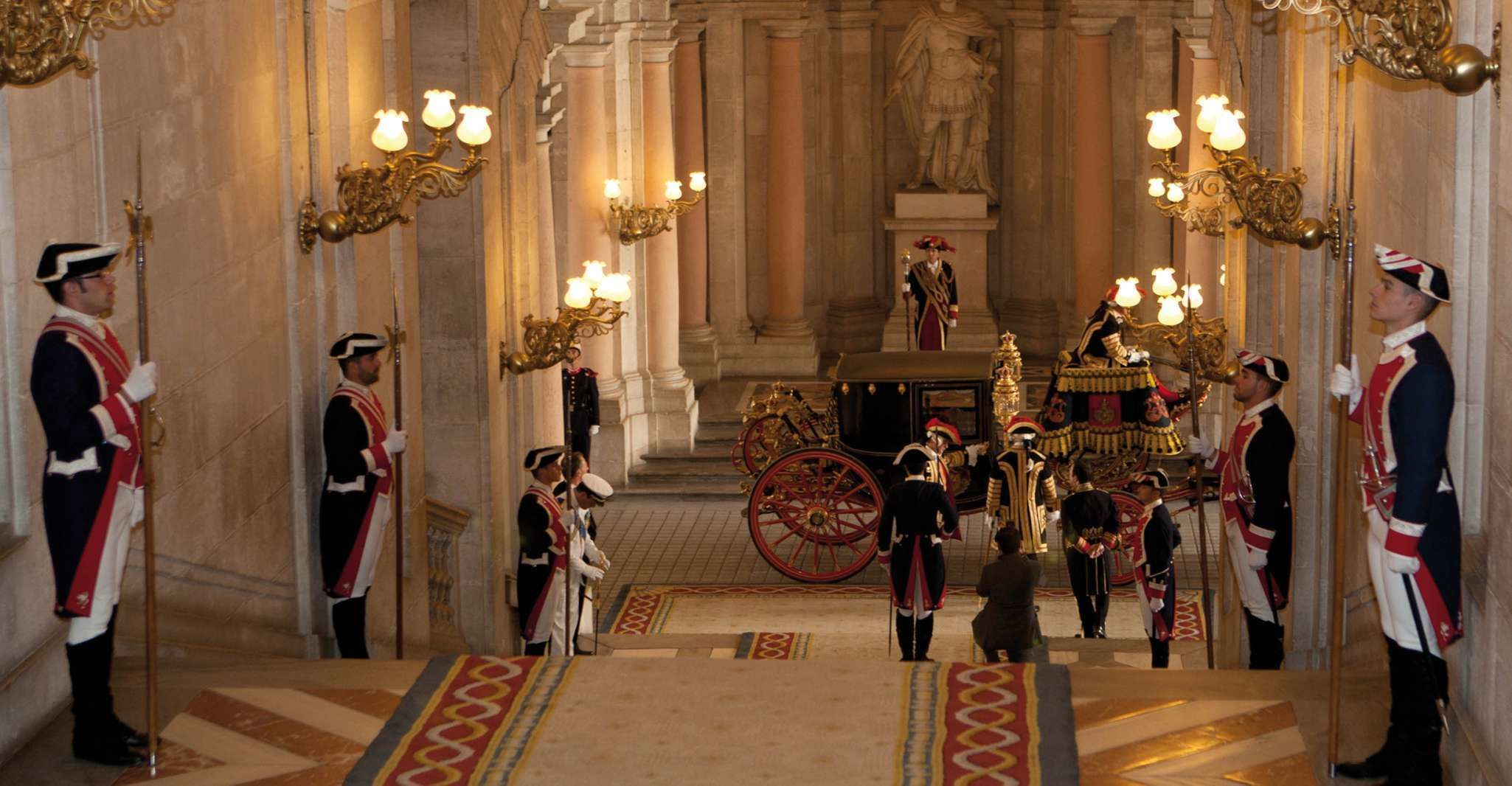 Skip-the-Line Royal Palace of Madrid and Guided Walking Tour