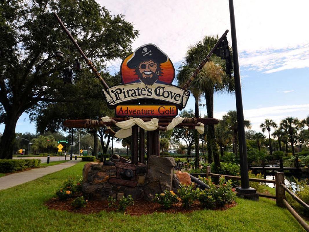 Pirate's Cove Adventure 18-Hole Mini Golf