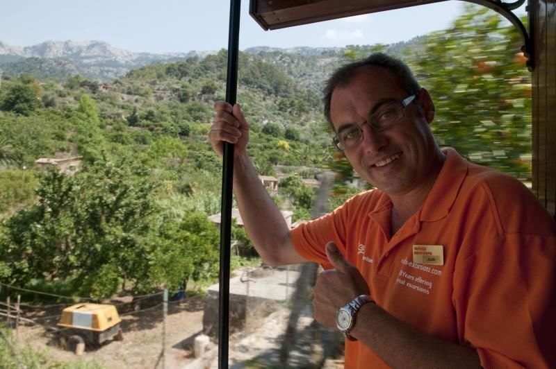 Tour: Valley of Soller by train, tram and bus