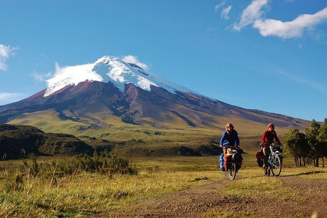 2-Day Cotopaxi National Park and Quilotoa Lagoon from Quito