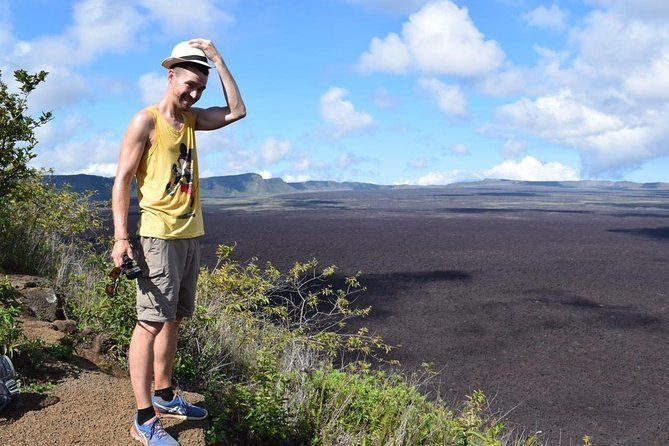 6 Day Land-Base Trip Isabela and 2 Islands