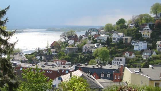 Walking Tour: Stairs of Blankenese