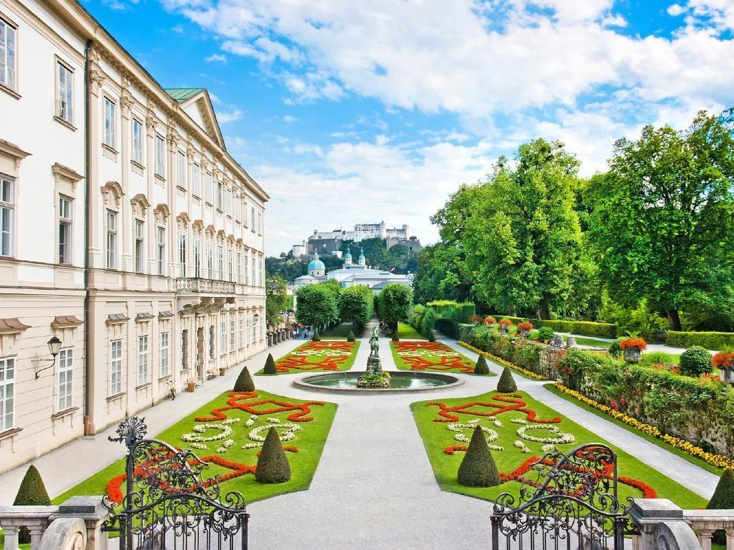 The Sound of Music Tour from Salzburg with Lunch and Apple Strudel